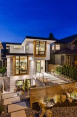 Amazing Modern Home Exterior Designs03