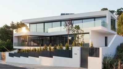 Amazing Modern Home Exterior Designs27