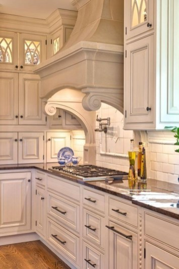 Amazing Traditional Kitchen Designs For Your Kitchen Renovation04
