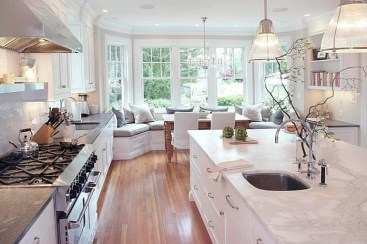 Amazing Traditional Kitchen Designs For Your Kitchen Renovation10