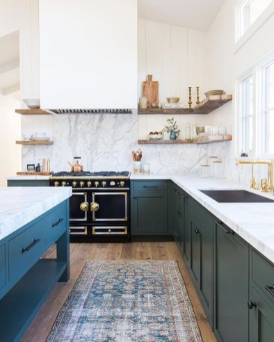 Amazing Traditional Kitchen Designs For Your Kitchen Renovation38