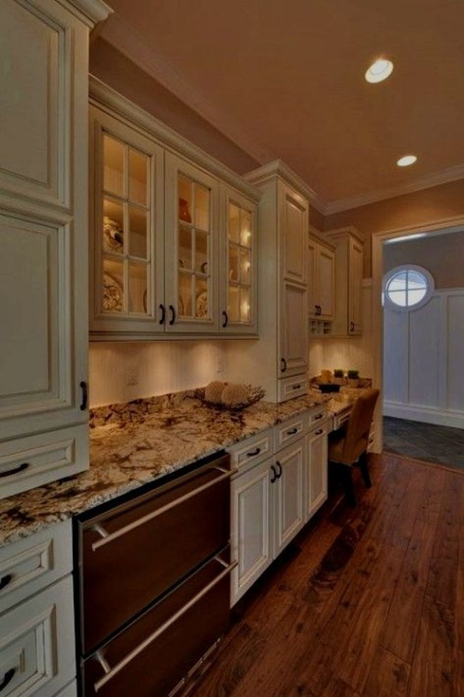 Amazing Traditional Kitchen Designs For Your Kitchen Renovation42