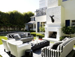 Amazing Traditional Patio Setups For Your Backyard15