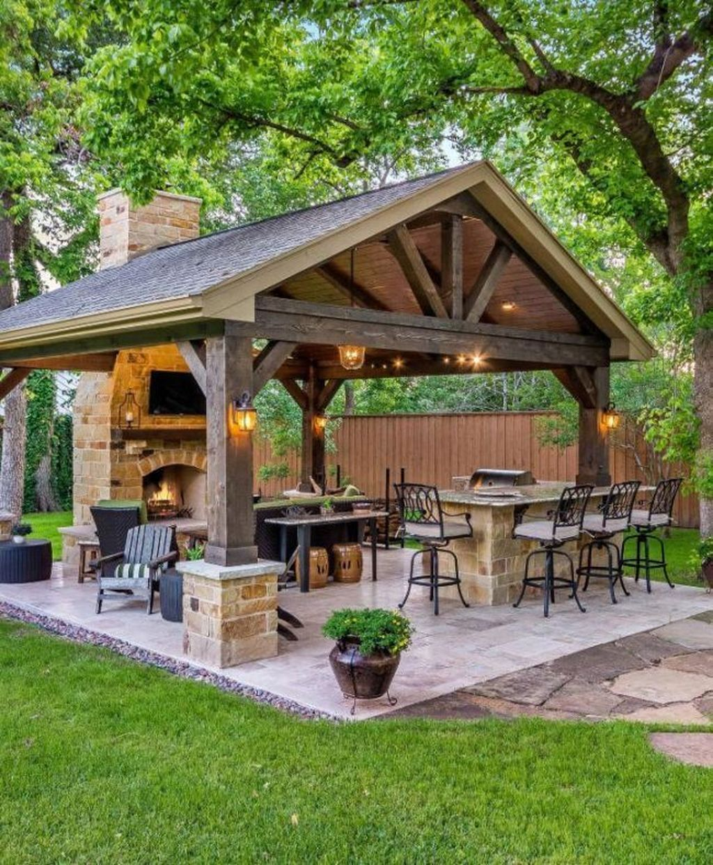 Amazing Traditional Patio Setups For Your Backyard34