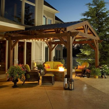 Amazing Traditional Patio Setups For Your Backyard40