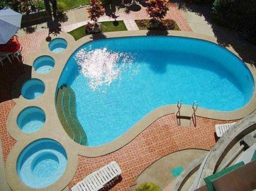 Extraordiary Swimming Pool Designs13
