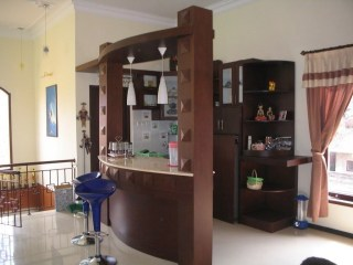 Modern Home Bar Designs45