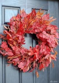Simple Halloween Wreath Designs For Your Front Door02