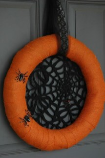 Simple Halloween Wreath Designs For Your Front Door11