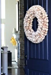 Simple Halloween Wreath Designs For Your Front Door20