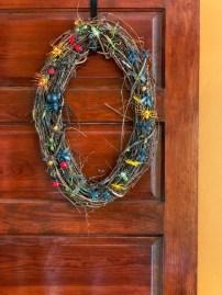 Simple Halloween Wreath Designs For Your Front Door28