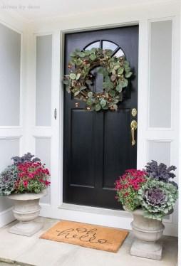 Simple Halloween Wreath Designs For Your Front Door34