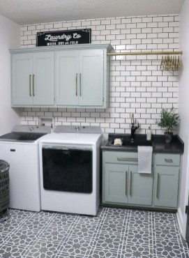 Amazing Laundry Room Tile Design25