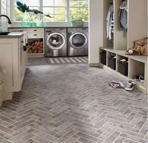 Amazing Laundry Room Tile Design34
