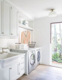 Amazing Laundry Room Tile Design37