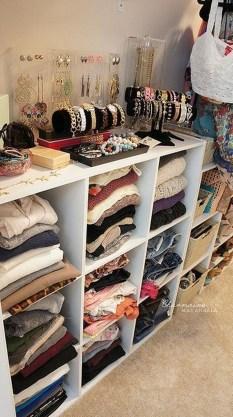 Brilliant Bedroom Organizatioan Ideas17