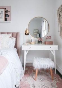 Brilliant Bedroom Organizatioan Ideas41