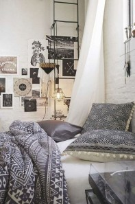 Comfy Urban Master Bedroom Ideas36