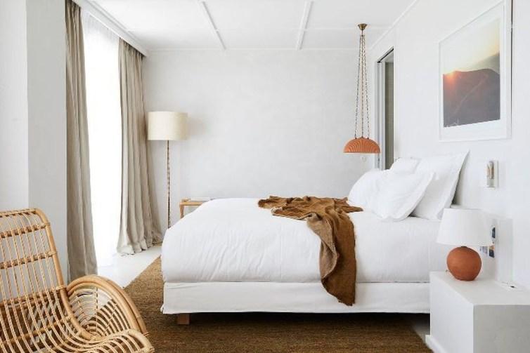 Comfy Urban Master Bedroom Ideas45
