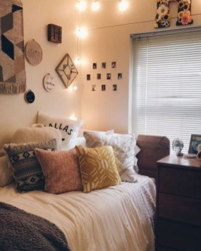 Creative College Apartment Decoration33