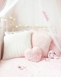 Lovely Girly Bedroom Design19