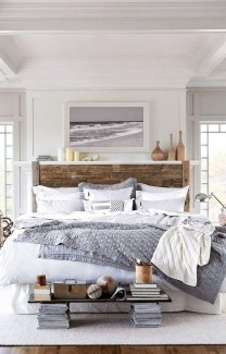 Modern Farmhouse Bedroom Ideas15