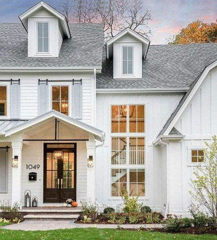 Modern Farmhouse Exterior Design12