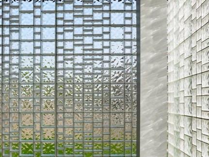 Modern Glass Wall Design02