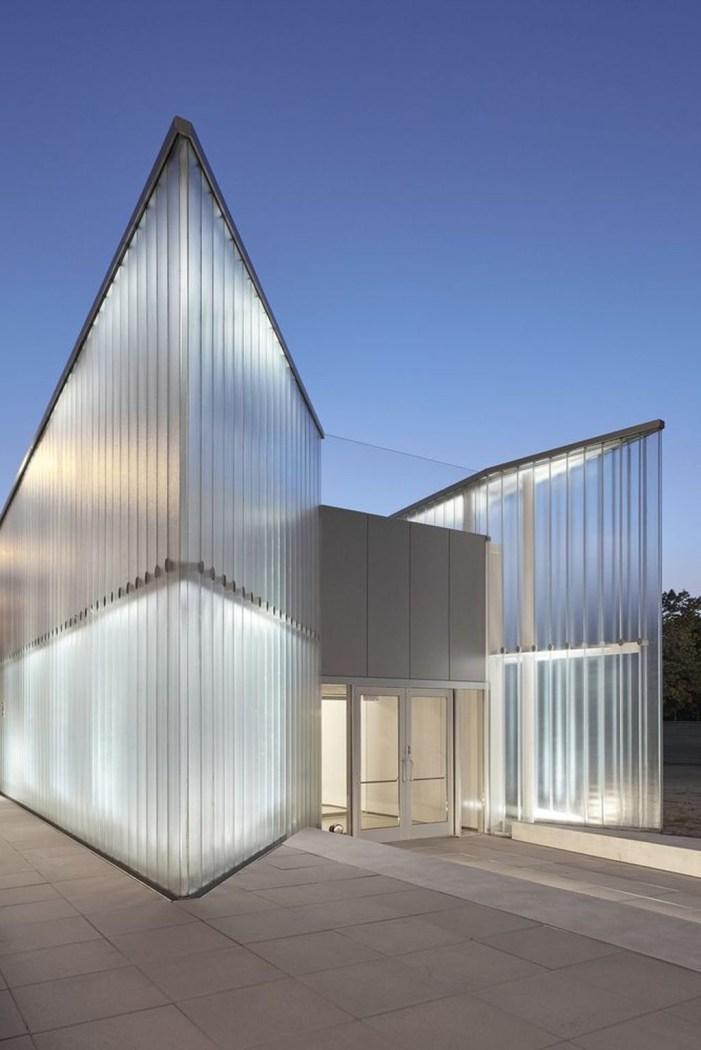 Modern Glass Wall Design04