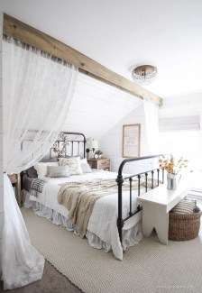 Modern White Farmhouse Bedroom Ideas26
