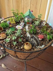 Beautiful Fairy Garden Ideas19