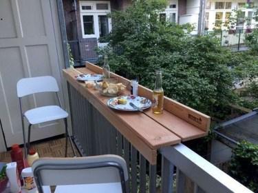 Comfy Apartment Balcony Decorating04