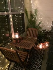 Comfy Apartment Balcony Decorating09
