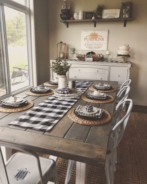 Awesome Country Dining Room Table Decor Ideas30
