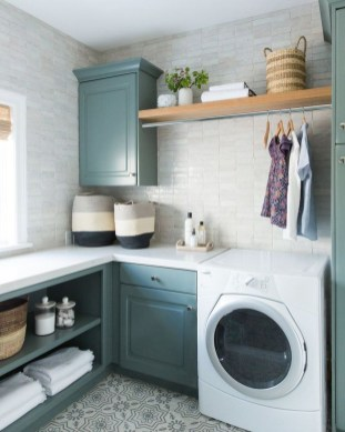 Beautiful Laundry Room Tile Design07