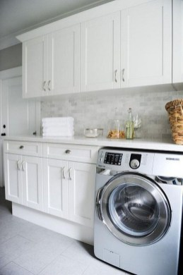 Beautiful Laundry Room Tile Design18