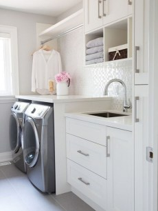Beautiful Laundry Room Tile Design19