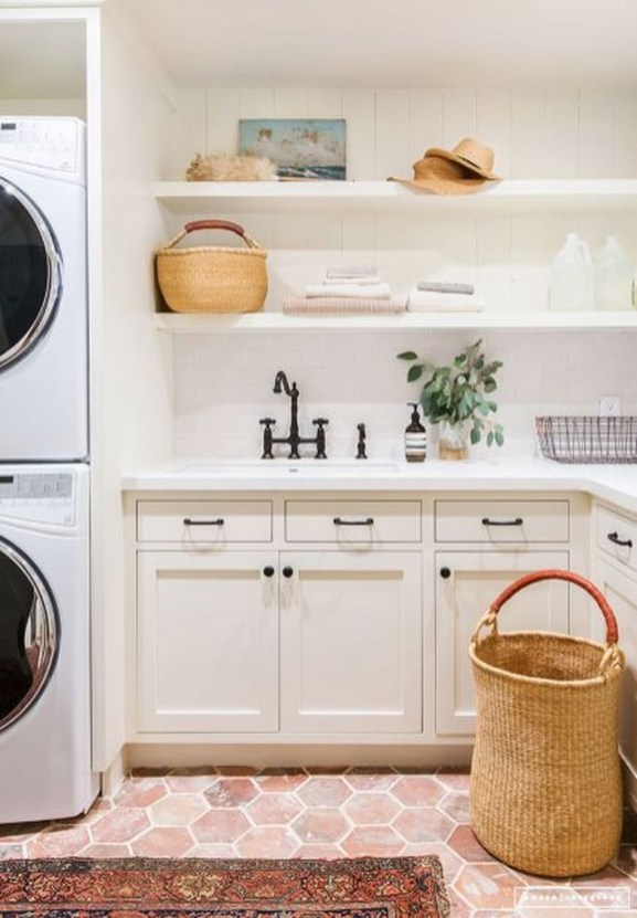Beautiful Laundry Room Tile Design46
