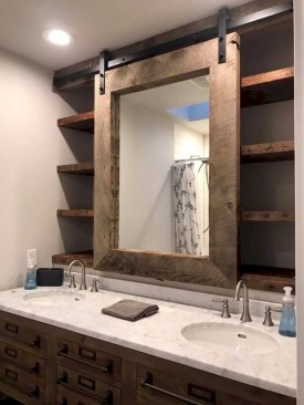 Best Farmhouse Bathroom Remodel08