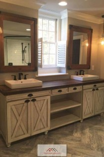 Best Farmhouse Bathroom Remodel20