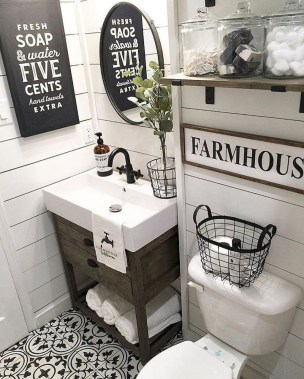 Best Farmhouse Bathroom Remodel26
