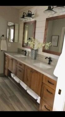 Best Farmhouse Bathroom Remodel29