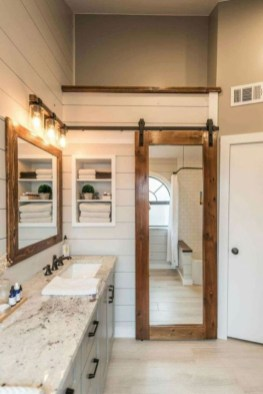Best Farmhouse Bathroom Remodel35