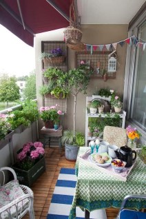 Exciting Small Balcony Decorating For Farmhouse03