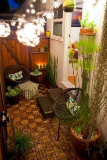 Exciting Small Balcony Decorating For Farmhouse04