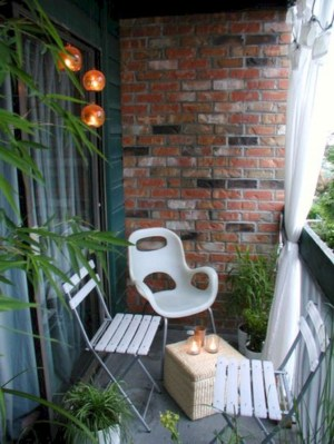 Exciting Small Balcony Decorating For Farmhouse40