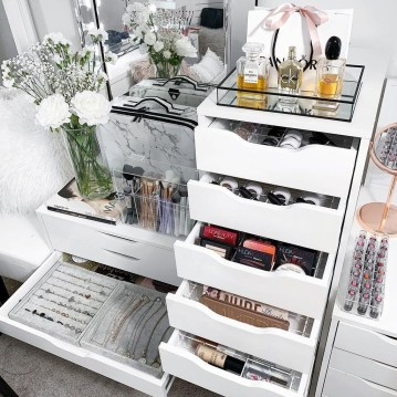 Lovely Bedroom Storage Ideas42