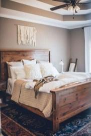 Lovely Urban Farmhouse Master Bedroom Remodel Ideas02