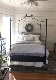 Lovely Urban Farmhouse Master Bedroom Remodel Ideas43