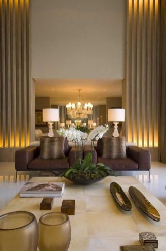 Luxurious And Elegant Living Room Design Ideas36